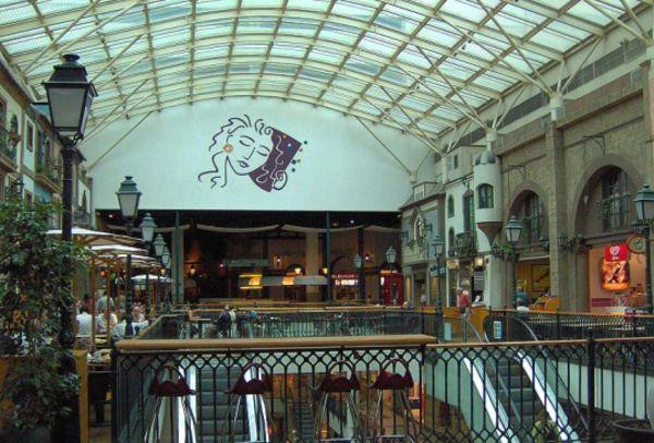 Shopping Centre Via Catarina